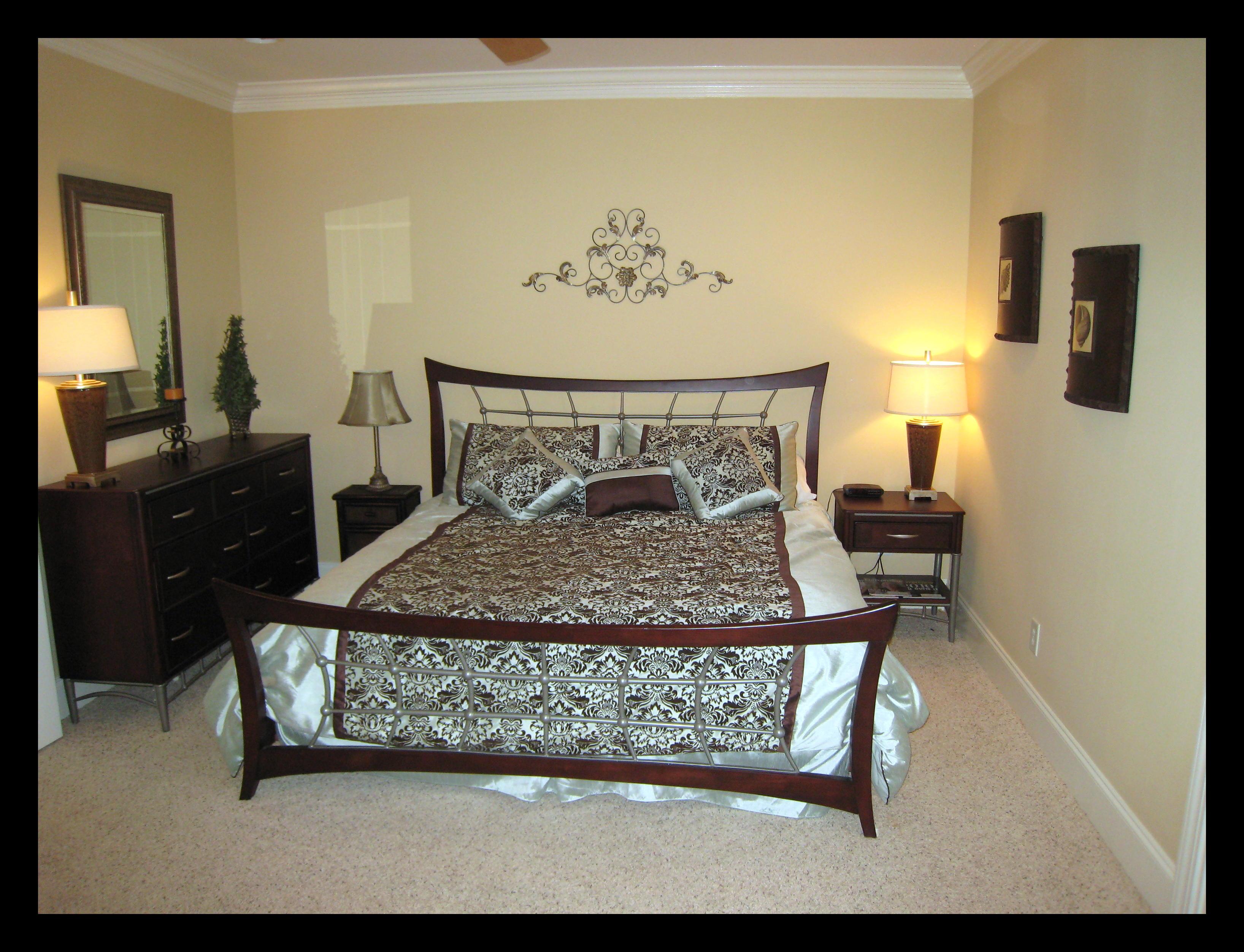 Raspberry Bedroom Gallery Rates